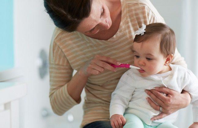 Tejfogak: a legfontosabb tudnivalók a gyerek fogápolásról