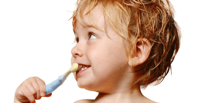 Mikortól és hogyan érdemes mosni a baba fogait?