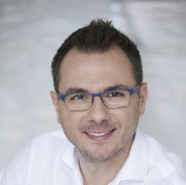 Dr. Péter Czigler